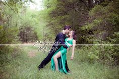 Cute prom or couple pose!
