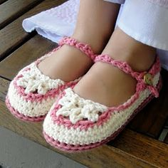 Slippers in crochet