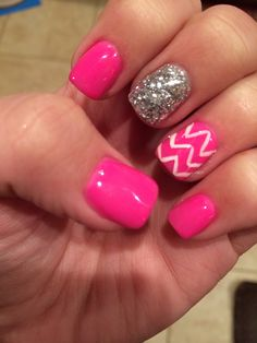 White chevron and hot pink nails with a glitter accent! #nails #naildesigns #bling #cute