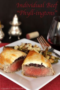 Individual Beef Wellingtons in Phyllo Dough | cupcakesandkalechips.com | #steak #valentinesday