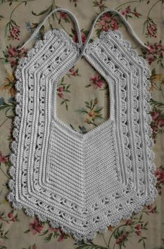Heirloom Crochet Bib free pattern
