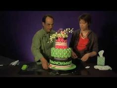 Cake Decorating - How to Use Marvelous Molds