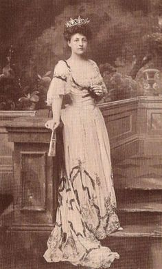 The Vanderbilts lived formally in their castles and entertained lavishly. Although Alva gave better parties, Alice was considered the more respected matron. But none of this lasted long because one thing shattered the Vanderbilt's perfect life, and her name was Grace Wilson. Grace Wilson Of The Marrying Wilsons