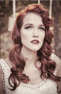 Beautiful vintage-inspired hair and makeup! {CmcDade Photography}
