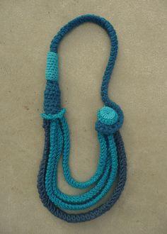 #collier bleu turquoise en #crochet by Minuit12, via Flickr
