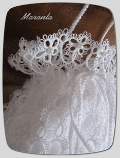 Great example of very fluffy picots for wedding accessories - all beautiful!