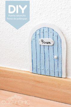 DIY: como hacer una puertecita para el ratoncito Perez reciclando una bandeja de poliespan.  DIY: little fairy door.