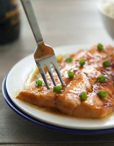 10-Minute Soy-Ginger Salmon by theironyou #Salmon #Soy #Ginger #Healthy #Easy #Quick