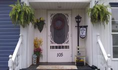 small front porch decorating ideas | My spring Porch Decor, Front porch, spring decor, front door, front ...