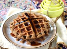 healthy quinoa protein waffles!