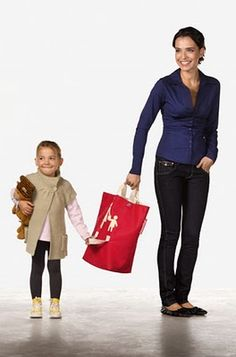 Reisenthel mother/child bag with 2 handles. So clever.