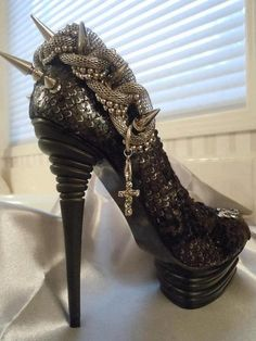 Black / High heels / Metal / Gothic / Shoes