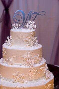 My beautiful winter snowflake wedding cake!