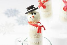 Snowman Push-Up Pops  #holiday   #Pizzazzarie   #cake   #MichaelsStores    # Pin++ for Pinterest #