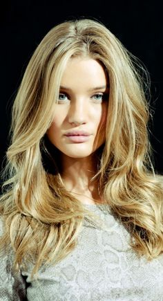 Rosie Huntington Whitely - hair and makeup perfection