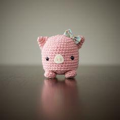 "Pig - Free Amigurumi Pattern http://www.allaboutami.com/post/87230666901/studioamipig click ""micropig"""