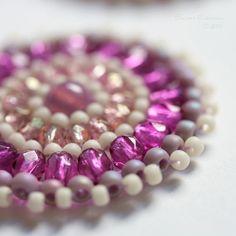 Amazing beadwork jewelry by Sarah Robinson