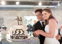 happy couples, ghostbusters, ghosts, ghostbust theme, wedding cakes, themed weddings, cake topper, theme weddings