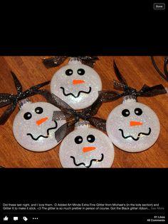 Snowmen ornaments. #Christmas #Tree #ornament #Kids #children #preschool #prek #kindergarten #holiday #December #home #diy #simple #easy #weekend #activity #craft