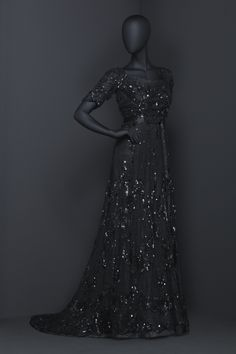 """""""Bow before your dark and beautiful Queen."""" /// 24 Fierce Gowns That Scream World Domination"""