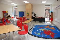 Heavily decorated classrooms distract from learning.