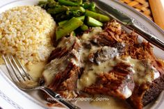 Manila Spoon: SLOW COOKER DILLED POT ROAST with a scrumptious DILLED SOUR CREAM GRAVY! Melt-in-your-mouth delicious roast beef. :)