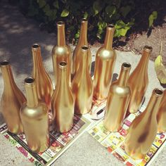 gold painted wine bottles, wine bottle centerpieces, www.christinalogandesign.com, wedding