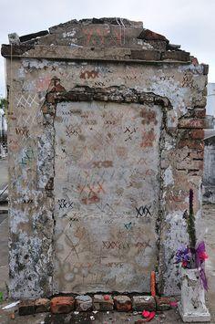 new orleans voodoo, new orleans cemeteries, voodoo queen, new orleans witch, new orleans old, mari laveaus, marie laveau tomb, new orleans louisiana, louisiana voodoo