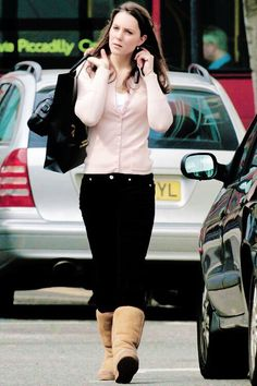 Rare photo if Kate in Uggs