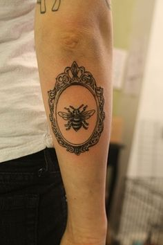 White Rabbit Tattoo Studio: Every little things want to Bee happy! Tattoo Ideas, Cameo Bees, Bees Tattoo, Cameo Tattoo, Tattoo Studios, Cameo Frames Tattoo, White Rabbits Tattoo, A Frames, Pictures Frames