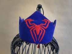 Spiderman crown from Etsy #spidermanparty