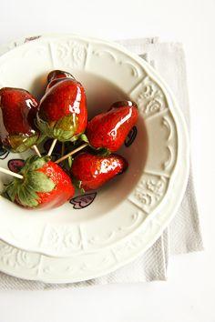 Balsamic Vinegar Toffee Strawberries