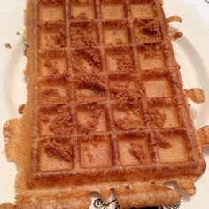 Gaufres du Nord (à la cassonade) - recette sur http://oe-dans-l'eau.com/cuisine-meme-moniq/ #cuisine #faitmaison #food #instafood #gaufres #patisserie #dessert #sucré #salé #végétarien #nord http://erdelcroix.tumblr.com/post/56771451123/mememoniq-gaufres-du-nord-a-la-cassonade