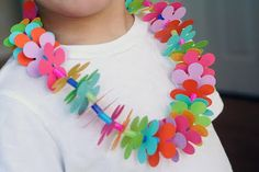 paper flower necklace cute for a luau party craft!