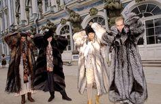 Ferdinando Scianna 1987    RUSSIA, Leningrad: fashion story before the fall of Comunism. ferdinando scianna, coat check, scianna 1987, 1987 russia, fashion stori
