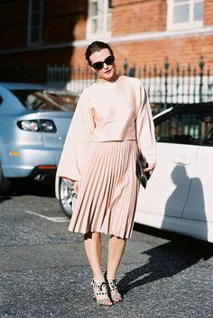Vanessa Jackman #tzniut #modestfashion #tznua #frumwear #orthodoxwear #christianmodesty