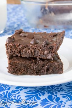 Sugar Free Chocolate Brownies with a gluten free adaption! sugarfreemom.com