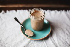Almond butter is delicious and so easy to make at home! #receipe #almondbutter #food #recept