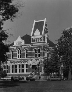 10 Haunted Libraries