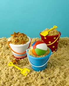 Beach cupcakes made by Elisa Strauss of Confetti Cakes