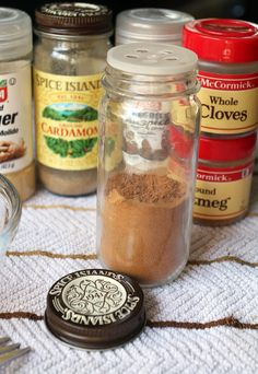 Homemade Pumpkin Pie Spice | Pinned via http://www.ruled.me/