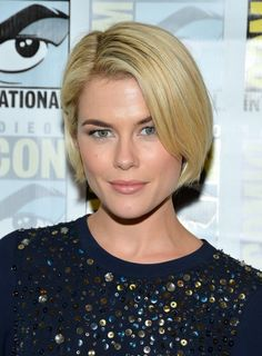 Side Parted Blonde Bob Hairstyle for 2013