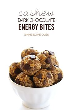 Time for a new no bake energy bites recipe! This one's extra-special because I made it with my lovely mama. Remember how I talked in my last post about my parents coming up for a visit last week? Well, while Dad was making a cheesecake and helping wash 5.1 million dishes and tackling my to-doRead more
