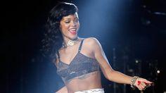 Check Out These SMOKING Rihanna Nip Slips