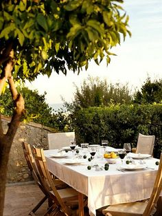Al Fresco Dining at its best!
