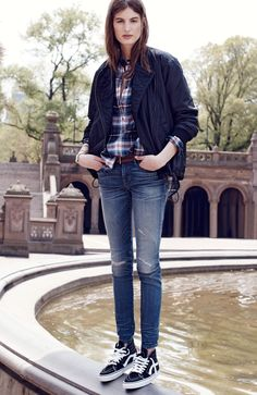 Madewell skinny skinny jeans: rip and repair edition worn with Tokyo rider jacket + collarless popover. #denimmadewell