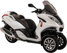 Le maxi-scooter à 3 roues Peugeot Metropolis 400 en série spéciale Roland Garros 2014