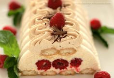 rasberry tiramisu with cinnamon cream