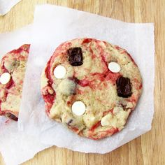 Rumbly In My Tumbly: Disneylands White Chocolate Raspberry Cookies