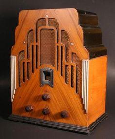 "I <3 Art Deco radios  |  Crosley Model 179 Art Deco ""Dual Seventy"" Tombstone Radio (1934)"